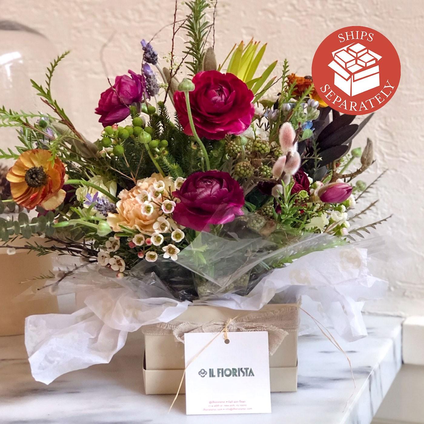 Flower Arrangment with Glass Vase - Il Fiorista | Eataly.com